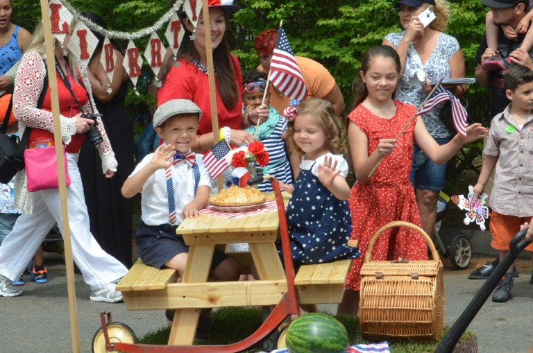 "Wing Ding Parade for Kids <br> <span class=""event-date"">June 18</span>"